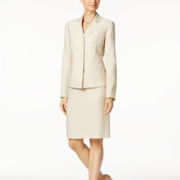 Le Suit Dresses & Skirts - Le Suit Skirt Suit Three-Button Beach Sand